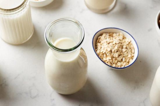 [Nổi Bật] Một số Cách làm Sữa Hạt Sen thơm ngon tại nhà